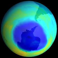 http://www.pointive.com/elfleat/2007/10/22/el-agujero-en-la-capa-de-ozono-ubicado-en-la-antartida-se-reduce/