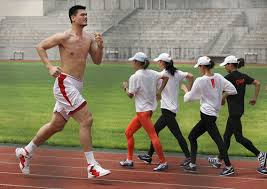 http://www.nbainchina.com/top-10-funny-yao-ming-pictures/
