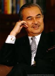 http://no2umno.wordpress.com/2008/03/13/pak-lah-harus-kekal-sebagai-perdana-menteri/