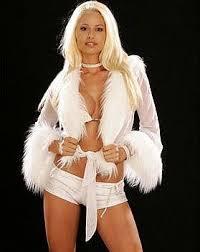 http://www.zimbio.com/Maryse+Ouellet/articles/tBSnGVUzWHr/WWE+Diva+Maryse+Ouellet