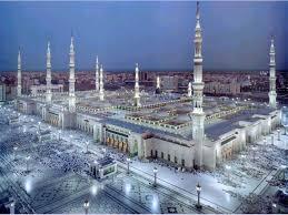 IBADAHLAH DAN BERKORBANLAH Masjid-nabawi