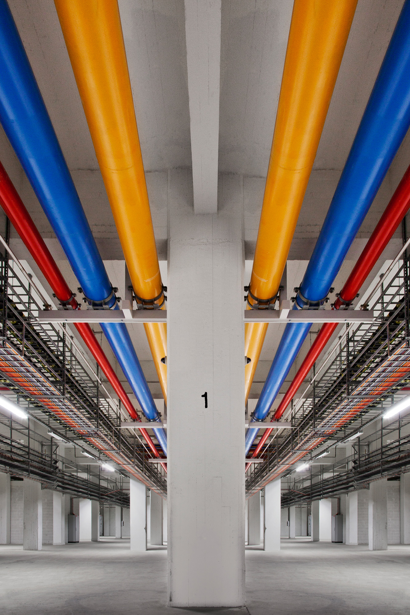http://www.google.com/about/datacenters/gallery/images/_2000/LPP_021.jpg